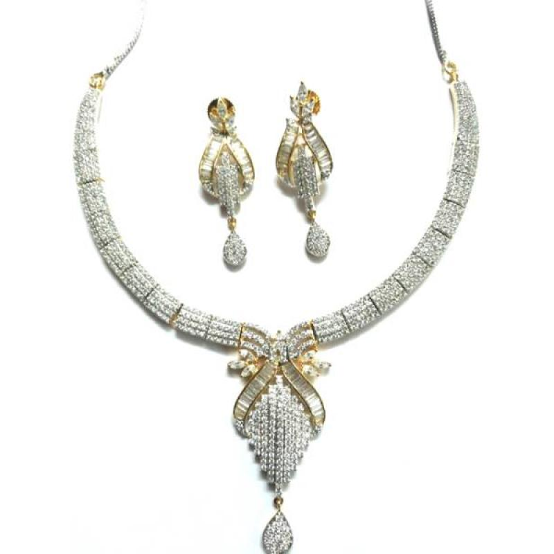 GOLD & SILVER PLATED BRASS METAL NECKLACE SET image