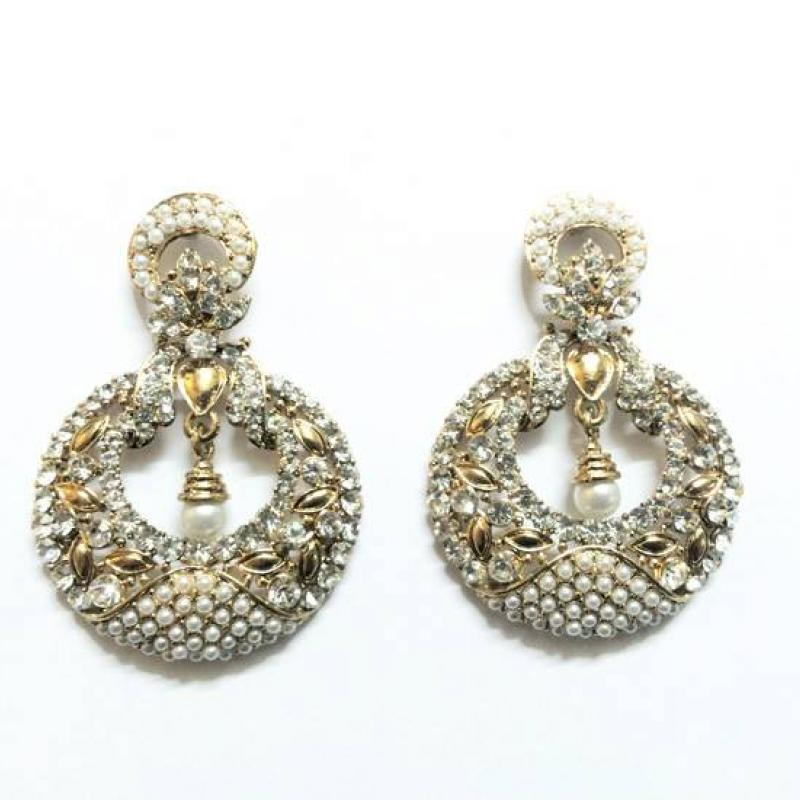 EARRINGS image